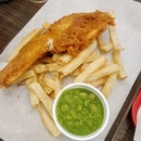 British Fish & Chips with Mushy Peas