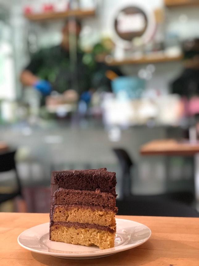 Luna cake ($11.50/slice)