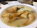 Have you seen such thick slice of fish in a sliced fish bee hoon soup?