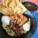 Prawns noodles with a big piece of crispy beancurd, onsen egg, torched Kurobuta pork and homemade prawn ball.
