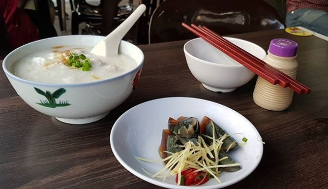 One of the best porridge in Singapore.