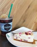 Starbucks (Aperia Mall)