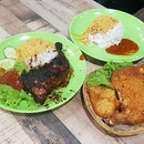 Signature Nasi Ayam Penyet vs Grilled Chicken 🐓 Can't decide who is the winner!