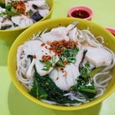 Han Kee fish soup* ($5) never fail to disappoint me with their fresh and succulent fish slices.