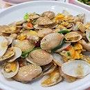 Garlic Chilli Clams (L) 👍🏻👍🏻👍🏻👍🏻 $32++ .