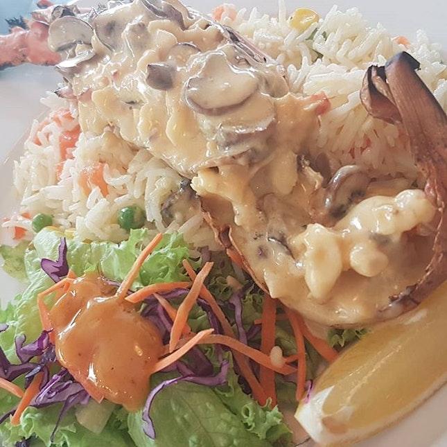 Local Lobster Thermidor #food #sgfood #foodsg #foodie #foodporn #sgfoodies #sgfoodie #foodiesg #foodblog #instafood #instafoodie #instafoodsg #igsg #sgig #igsgfood #sgigfoodies #foodiesofinstagram #sgeats #eatsg #hungrygowhere #foodphotography #singaporeeats #sgfoodlovers  #igfoodie #sgfoodblogger #dailyfoodfeed #burpple
