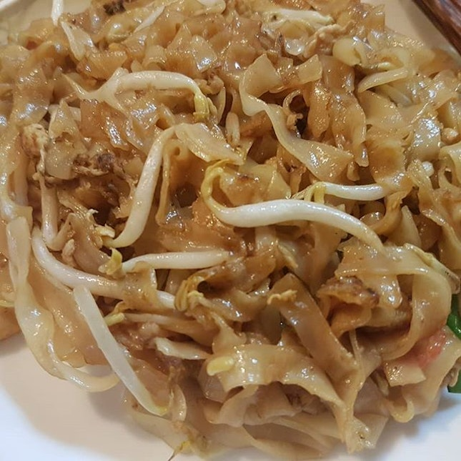 Probably the cheapest plate of #PenangCharKoayTeow in Sunny Sg lately at $2.50.