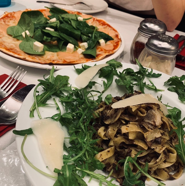 Truffle Pasta & Salmon Pizza