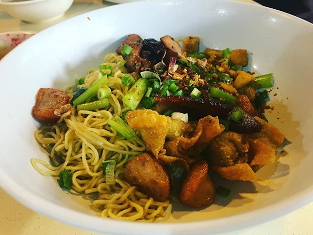 Located at a coffee shop near JCube, Soi 19 sells one of a kind wanton mee.