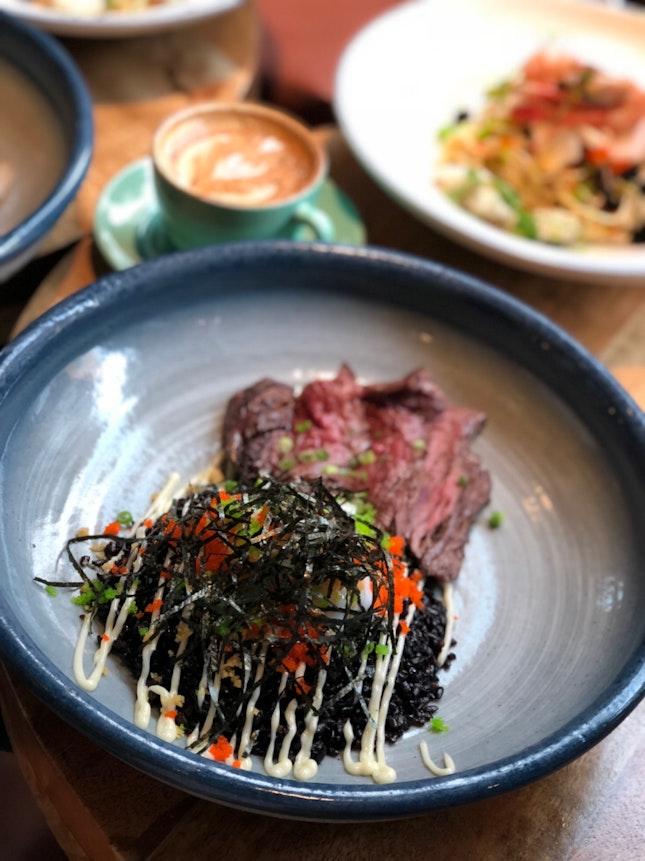 黑 Rice , The Best Of Western, Japanese And Chinese Cuisine