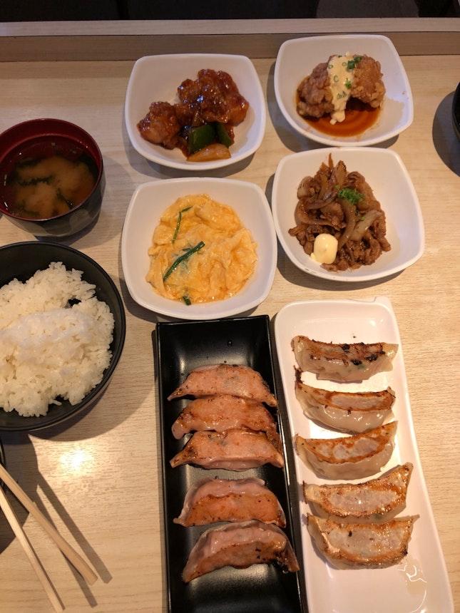 Gyoza Set ($13.90++)