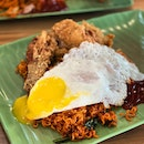 Maggi Goreng + Fried Chicken + Runny Fried Egg = ❤️