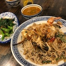 Wok Fried Big Prawn White Bee Hoon ($16.80)