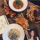Lola's Cafe 🍳