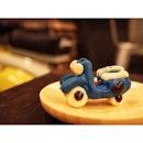 scooter macaron #burpple #ohscootercafe