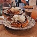 Double Scoop Waffle + Drink (18.30)