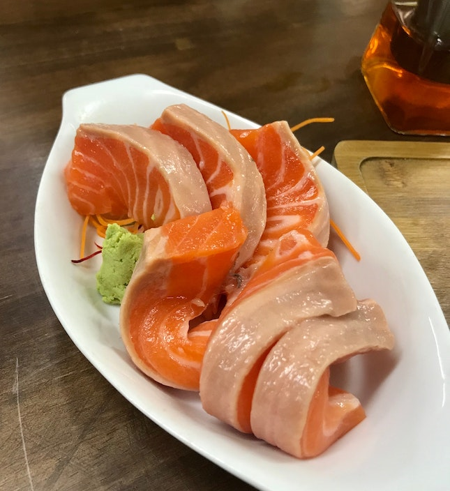 Fat slices of salmon trout
