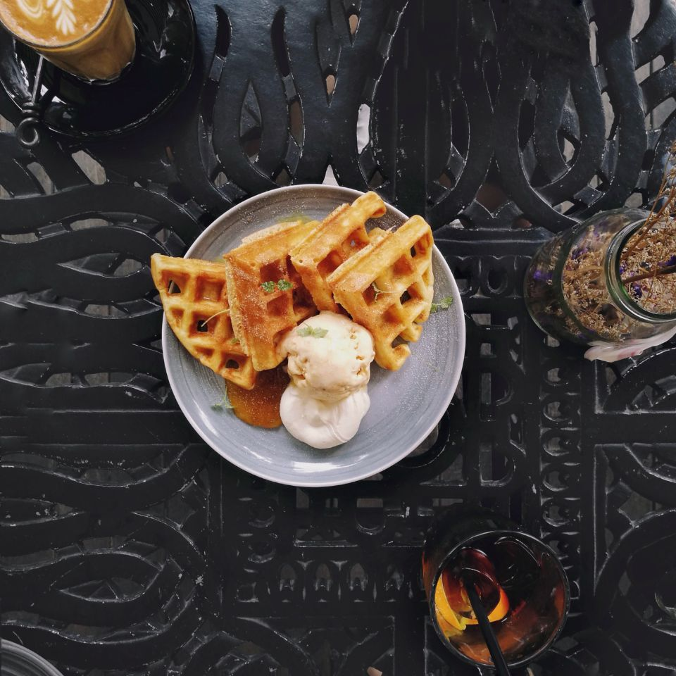 [Singapore] Breakfast Waffle