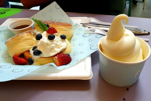 Fluffy Japanese Pancakes Stack