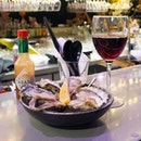 $2 Oyster Happy Hour