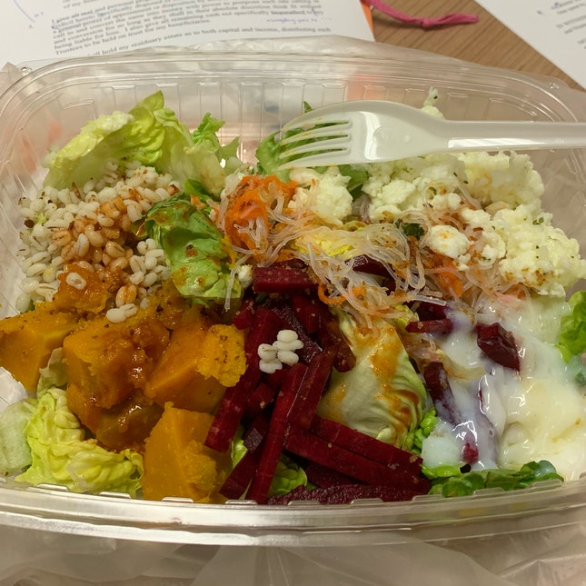 Salad + 5 Toppings ($5.80)