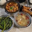 Sambal Kangkong X Sesame Oil Chicken X Herbal Chicken Soup X Ngoh Hiang  #latergram #sgig #instagood #instafood #foodstagram #foodinsta #foodphotography #foodgram #foodlife #foodporn #foodfeed #sgfood #lauwangclaypotdelights #claypot #sambalkangkong #sesameoilchicken #ngohhiang #burpple