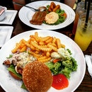 Cagun Chicken Burger & Fish And Chips