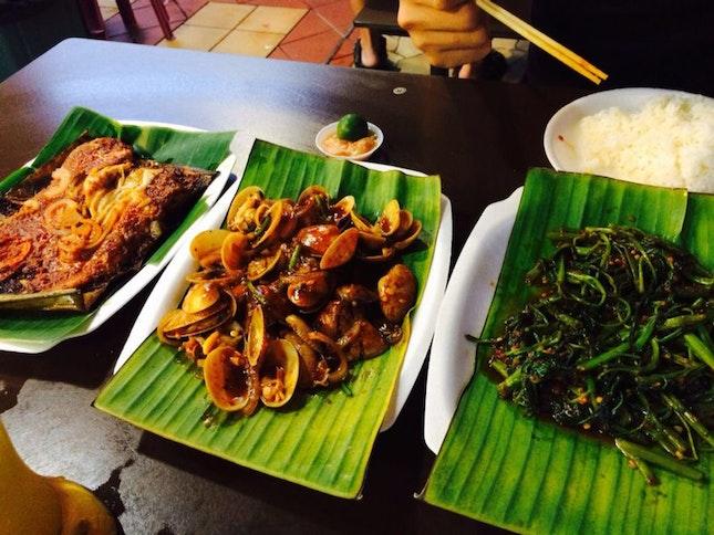 BBQ Stingray, Clams And Kangkong
