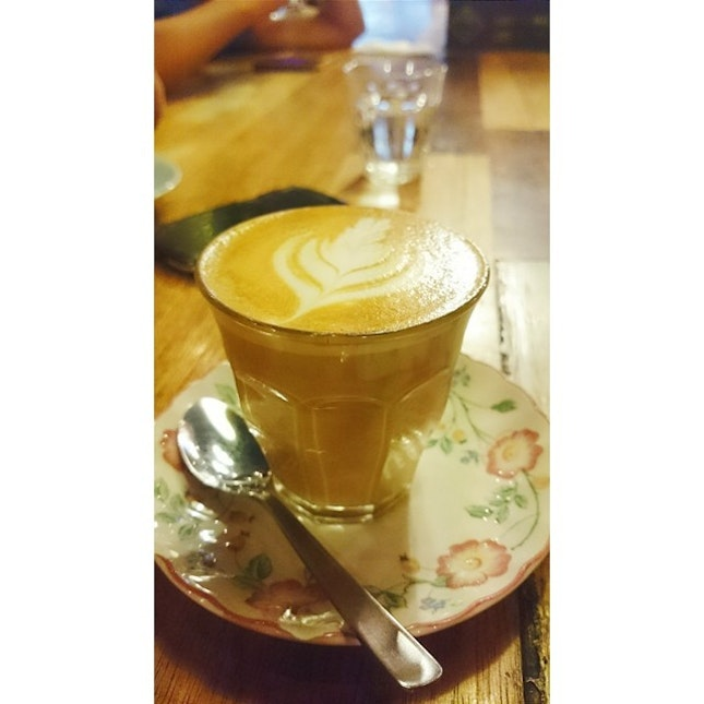 Double shot latte by Coffee Société Price: RM8.90 + RM2 for extra shot My opinion:- Hmmmm, definitely not the best latte around but it's worth the try if you're coffee hopping around KL or Publika 😁.