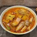 Crispy Pork Curry Noodles