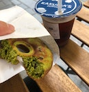 [Donut And Straight Tea] Matcha Donut + Roasted Oolong Straight Tea