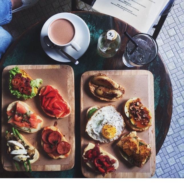 Cliché Café Composures