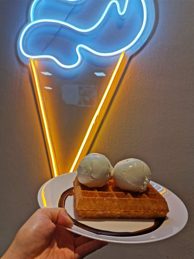 1 For 1 Gelato Scoops With Waffles