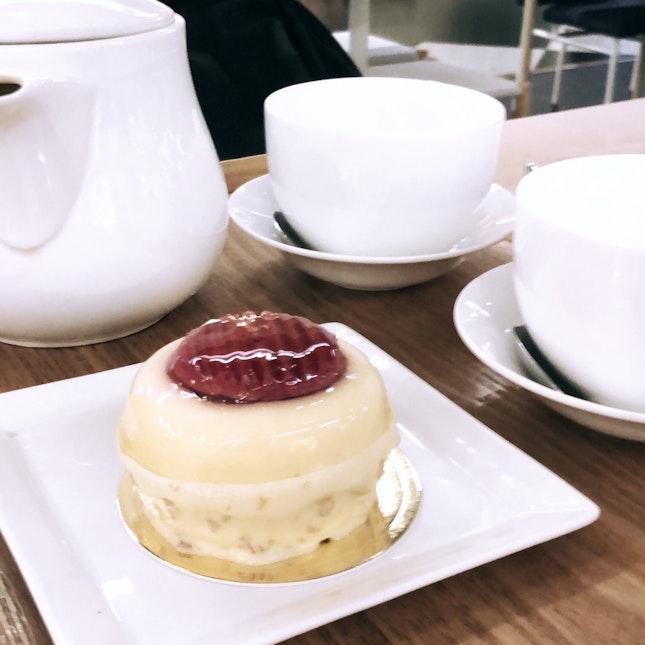 Cake + Tea