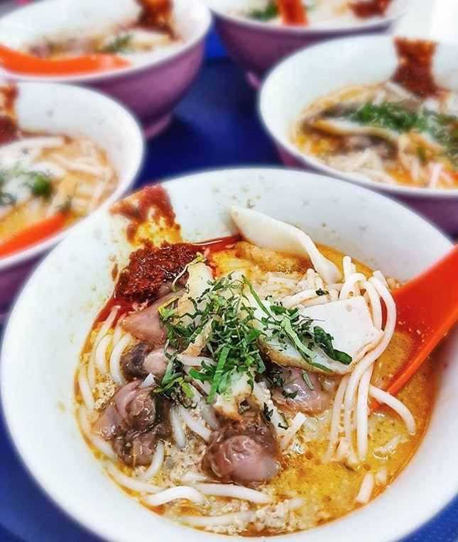 Famously proclaimed as one of Singapore's most iconic local fix, laksa can be found in many hawker centres, food courts, cafes, or even restaurants.
