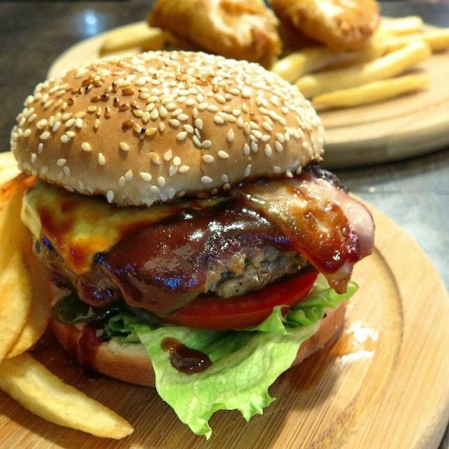 cheeseburger ($11) @ the carving board