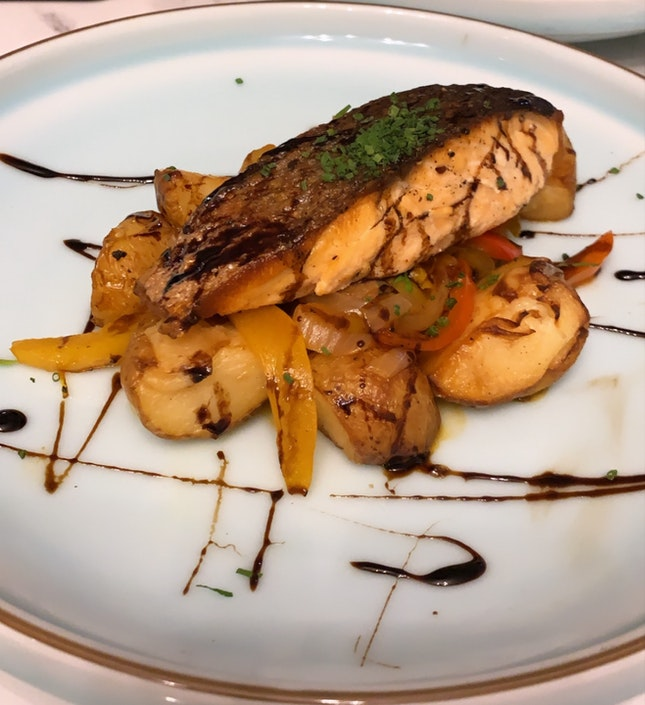Pan Seared Salmon ($24++)
