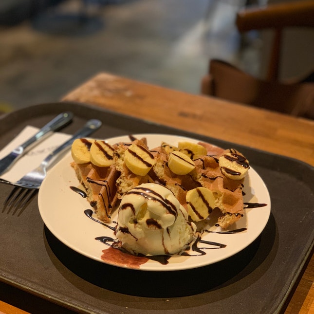 Waffle With Vanilla Ice Cream.