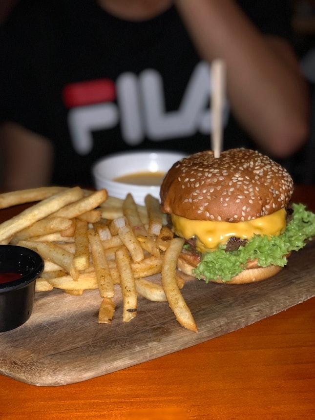 The Bunker Cheeseburger
