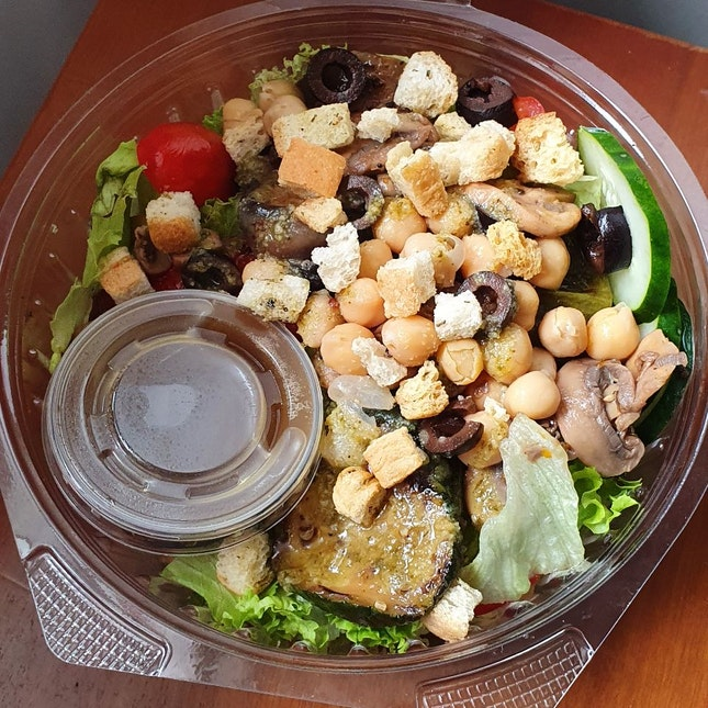 Vege Salad & Roast Chicken Salad (Burpple 1 For 1l)