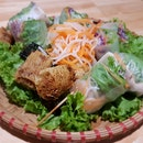 Vietnamese Springs Rolls And Beef Pro Noodles