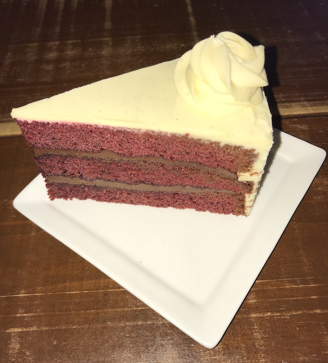 Red Velvet Nutella Cake