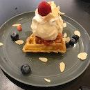 1/4 Waffle With Ice Cream
