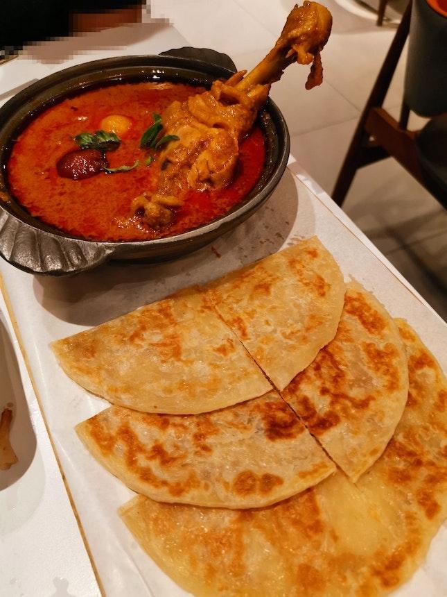 Massaman Chicken Curry with Crispy Thai Prata (15.80sgd)