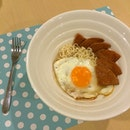 Instant noodles + 🍳 + luncheon meat...