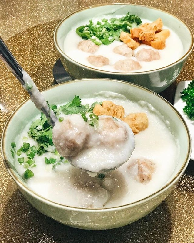 I can do with this bowl of handmade meatball congee now.