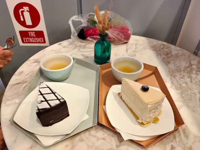 Cake And Honey Tea Set