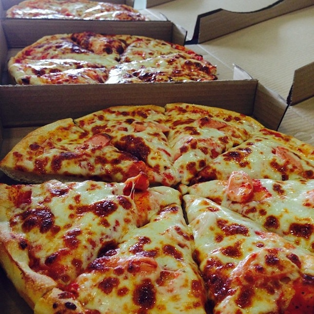 Pizzas for lunch!