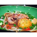 Because soft shell crab noodle soup makes me giggle and feel happy!