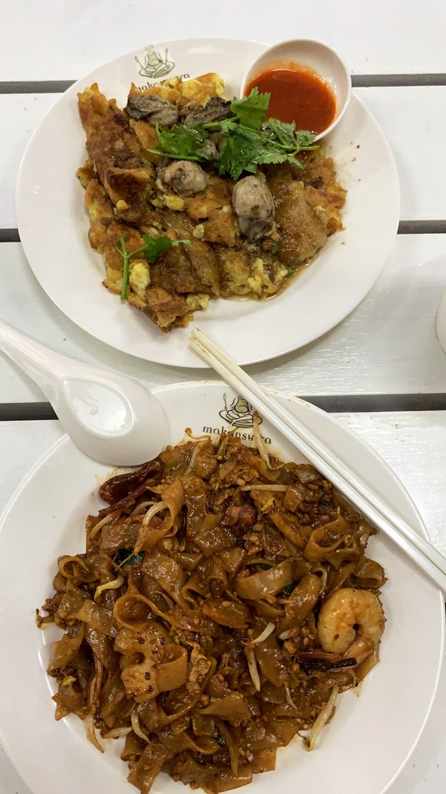 Char Kuey Teow & Oyster Omelette